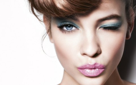 How to Grow Long and Luscious Lashes Picture