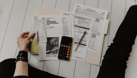 Should-you-hire-an-accountant-for-your-small-family-business